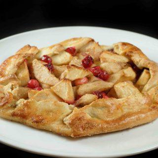 Happy Blogoversary Baby, Got Crostata on my Mind   Apple Pear Cranberry Crostata!