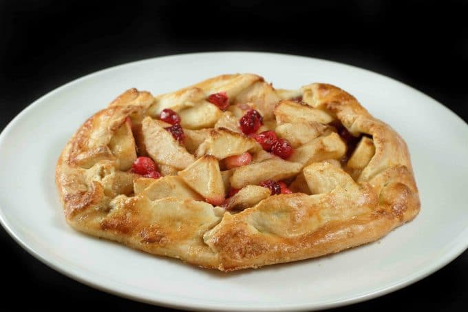 peach crostata pizza crostata dolce cherry ricotta pie apple crostata