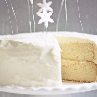I'm Dreaming of A White Christmas Cake with Sweet Peony