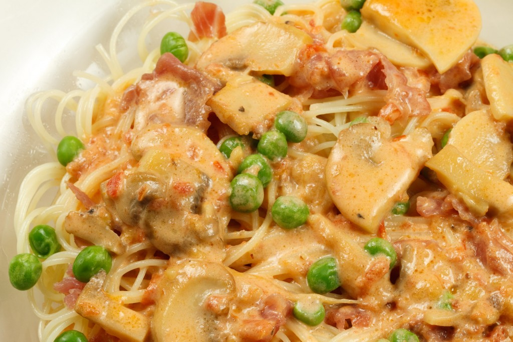 capellini D'Angelo Roma with prosciutto and peas