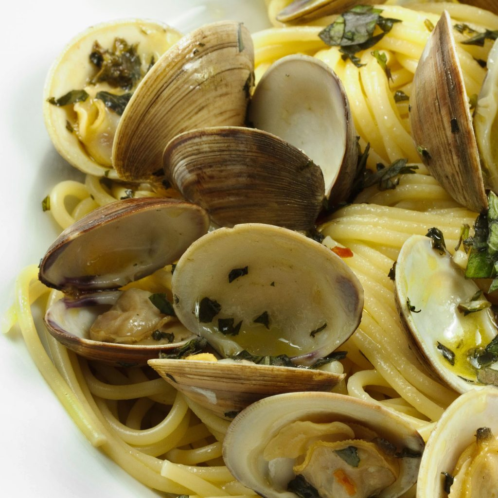 linguine with little neck clams in a garlic aoili sauce