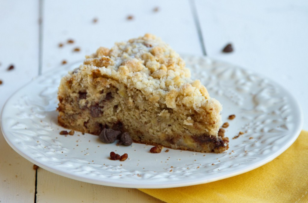 Banana Crumb Bake with Cinnamon Pecans and Chocolate Chips