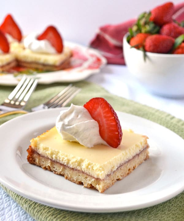 Strawberry Lemonade Shortcake Bars 2