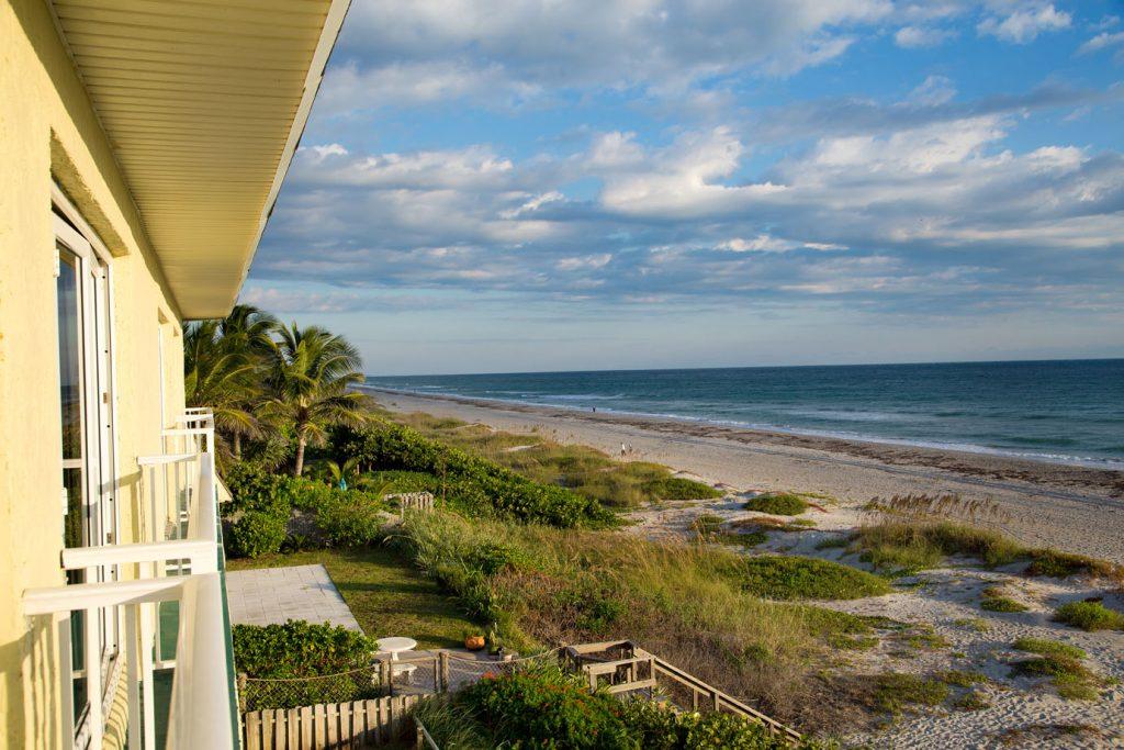 TuckAway Shores Room view , old florida