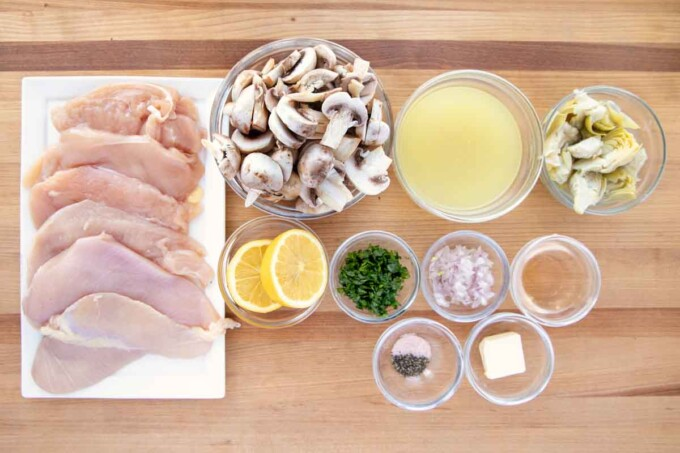 overhead view of ingredients needed to make chicken picante