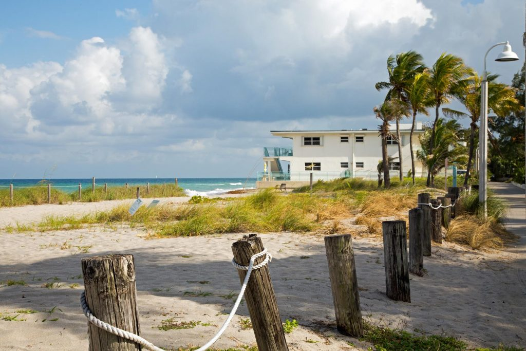 The Desoto Oceanview Inn Beach , old florida