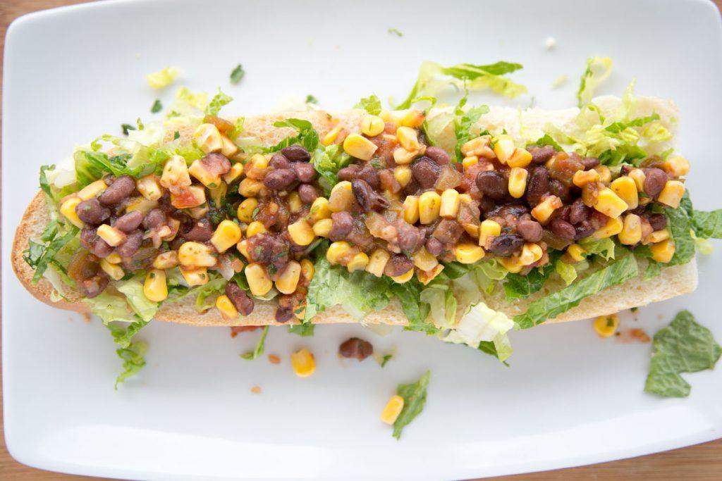 Sandwich, salsa, lunch