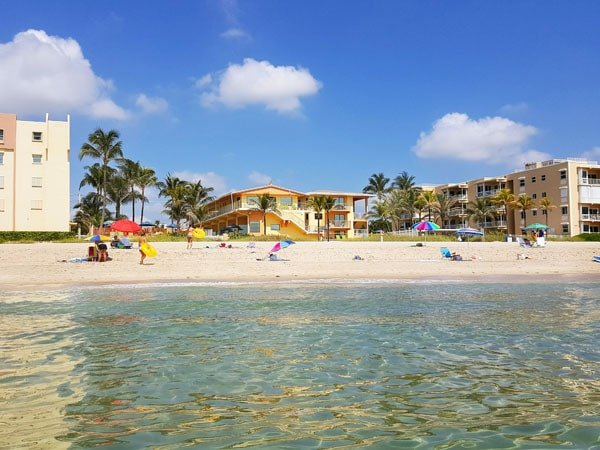 Lauderdale by the sea, Windjammer Resort and Beach Club, old florida