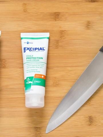 Excipial hand cream, dry cracked skin