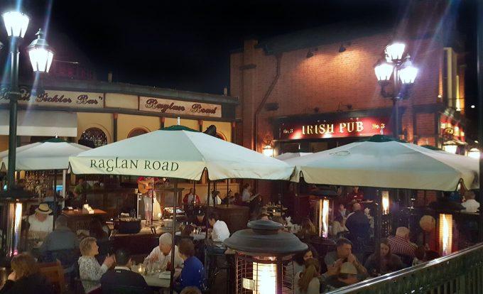 Raglan Road at Disney Springs, Outside Dining
