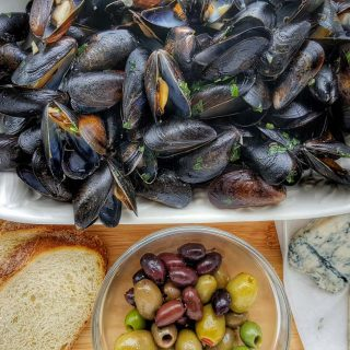 My Quick & Easy Mussels Recipe to turn your Evening Meal into an Italian Feast