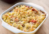 White cheddar Lobster mac and cheese