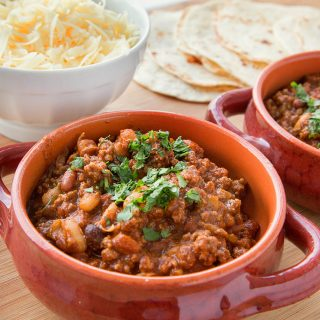 Tailgate Three Bean Chili Recipe for your next Homegating Party  #Ragutailgating