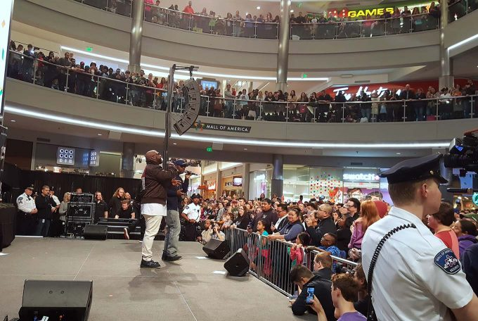 Boyz II Men at the Mall of America