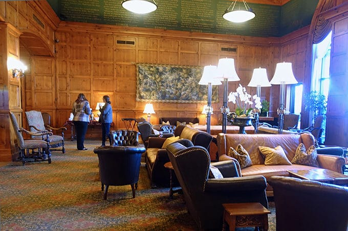 Seating area of the lobby of the O.Henry Hotel