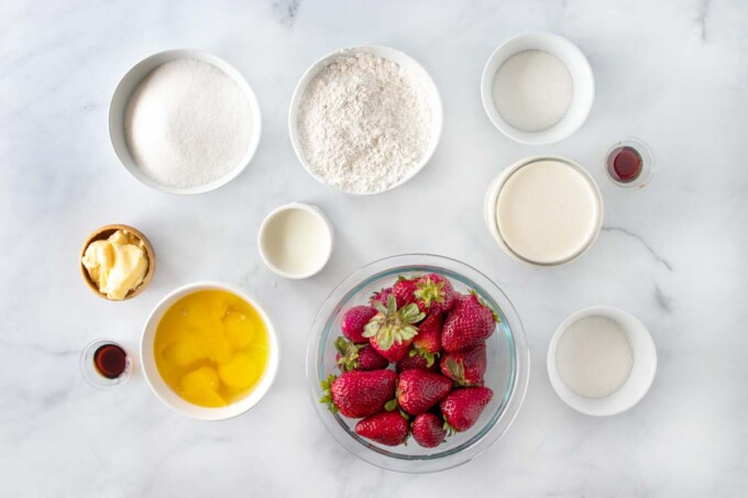 overhead view of ingredients to make strawberry shortcake roll