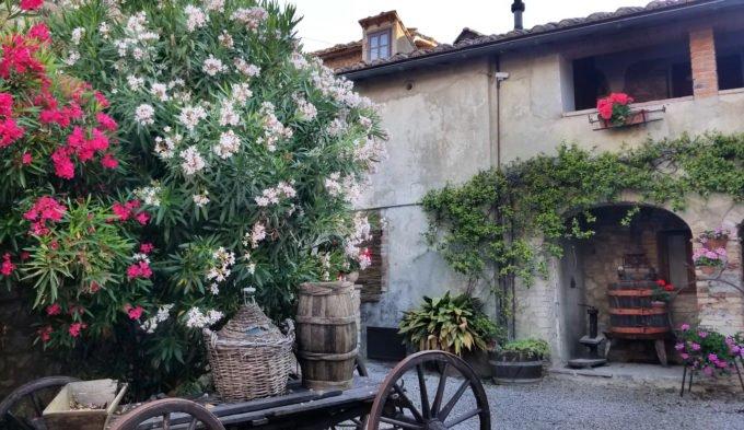 farmhouse in Italy