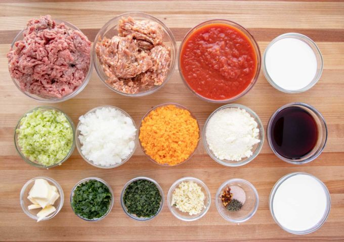 ingredients to make bolognese sauce