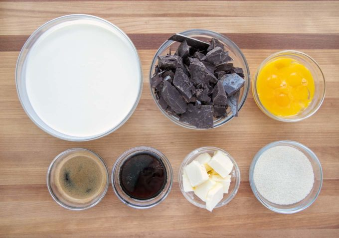 ingredients to make chocolate mousse