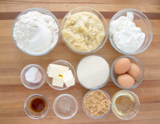 ingredients to make banana crunch cake in glass bowls