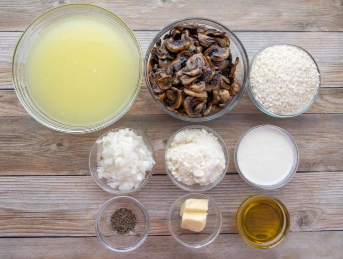 ingredients to make mushroom risotto in glass bowls