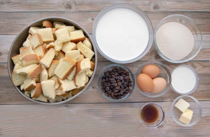ingredients to make bread pudding