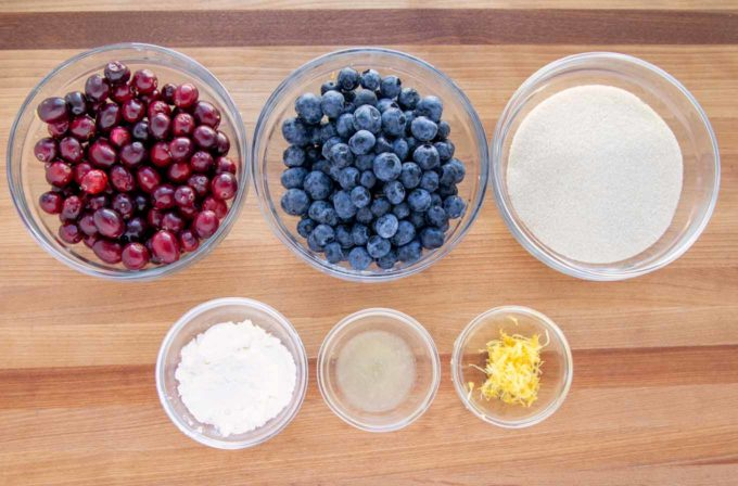 ingredients to make blueberry-cranberry topping