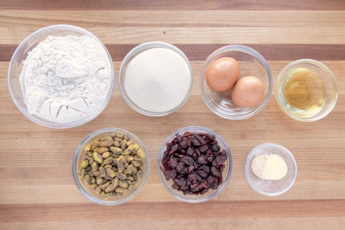 Ingredients to make biscotti in glass bowls