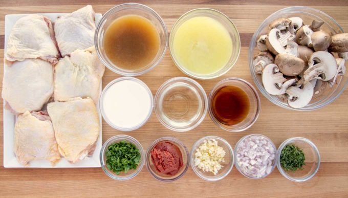 overhead view of the ingredients to make chicken chasseur i