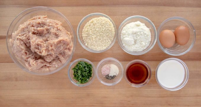 ingredients to make baked chicken meatballs